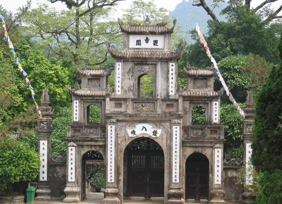 HUONG PAGODA TOURISM - DU SPRING WELCOME TET